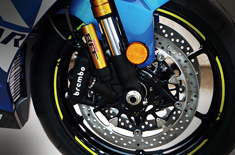 Brembo輻射式卡鉗 + ABS系統